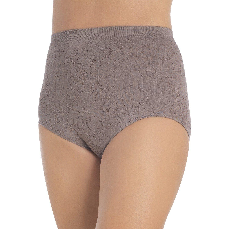 Frontal upskirt of a milf grey panties