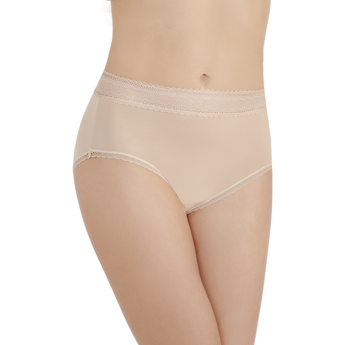 Flattering Lace Brief Honeybge